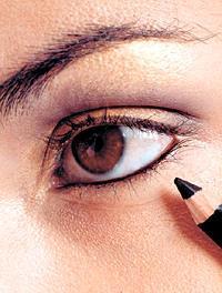 карие глаза подводка для вечернего макияжа