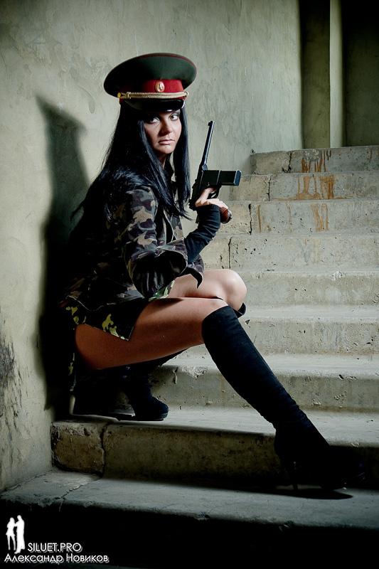 Вы просматриваете изображения у материала: Фотосет: Military Woman, фотограф Александр Новиков - часть1