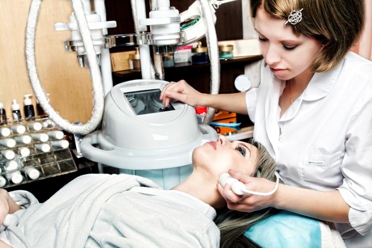 Вы просматриваете изображения у материала: ADORA, центр здоровья и красоты