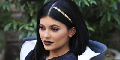 Kylie-Jenner-scunci-hair-tattoos-1